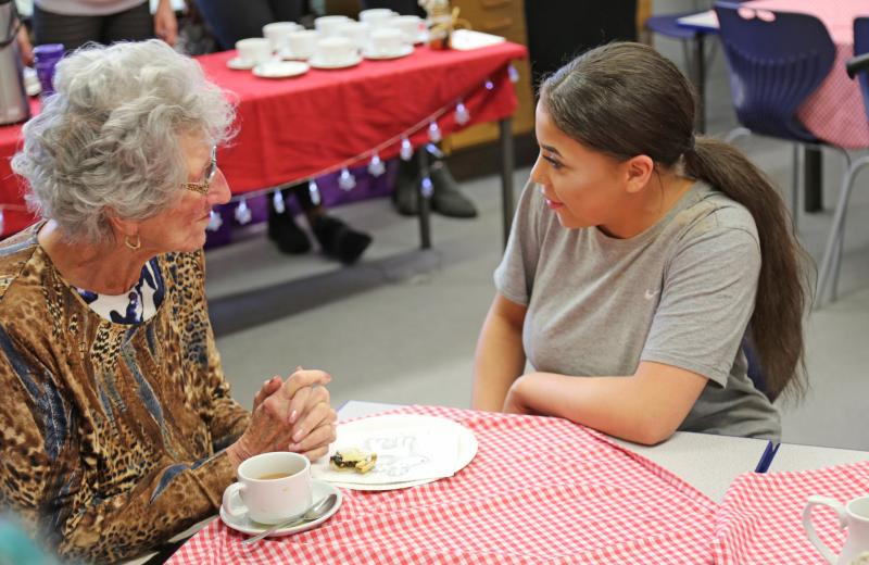 Students Host Christmas Coffee Morning