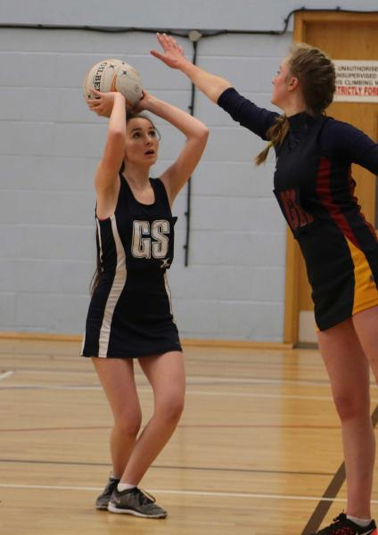 Netballers Remain Unbeaten With Impressive Home Win